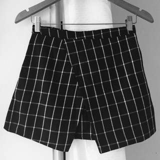 Black And White Asymmetric Skirt