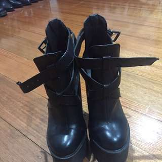 Marco Gianni Black Chunky Boot Heels Size 7
