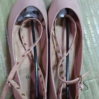 大腳丫女孩,歐洲品牌DAISY STREET (US8/EUR41)女生娃娃鞋,可愛娃娃鞋,全新