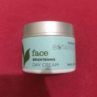 Mineral Botanica Face Brightening Day Cream