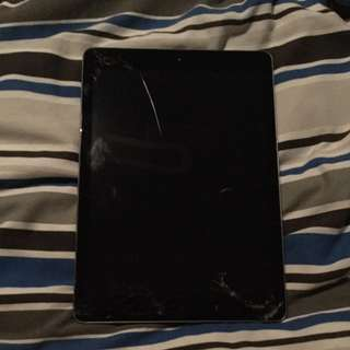 IPAD AIR 1 (MAKE OFFERS)