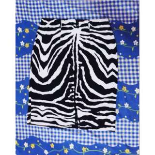 Zebra skirt uk 8 (beli di ausie)
