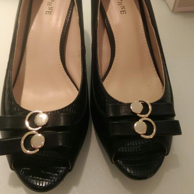 達芙妮魚口跟鞋