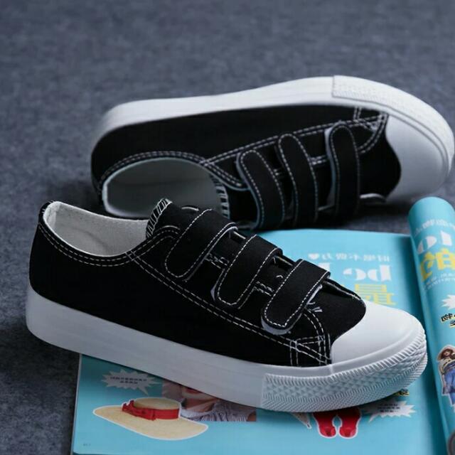 超可愛👉黑色魔鬼氈帆布鞋❤
