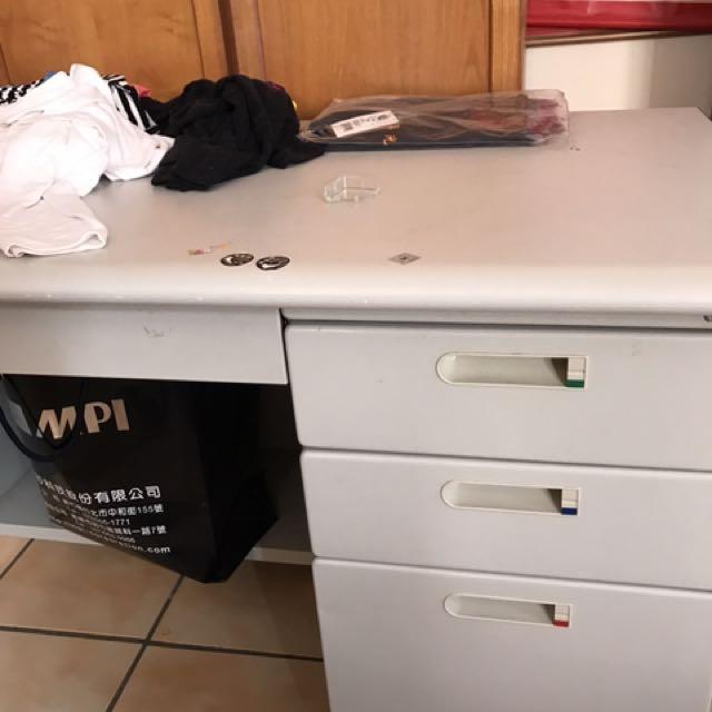辦公桌 電腦桌