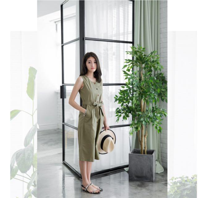 轉賣 OB  附綁帶開襟排釦造型無袖洋裝 2XL