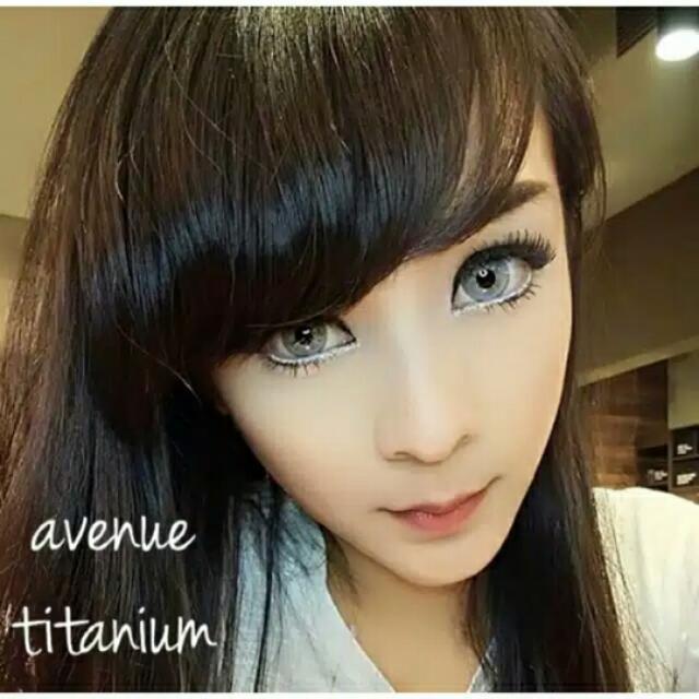 Avenue Titanium