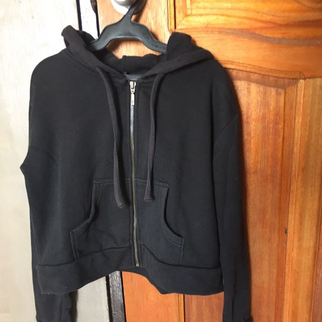 8f001e7a7f Bershka Cropped Jacket, Women's Fashion, Clothes, Outerwear on Carousell