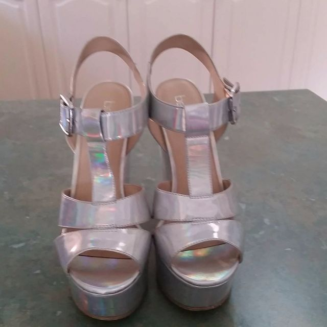 Betts Silver/Pearl Wedges