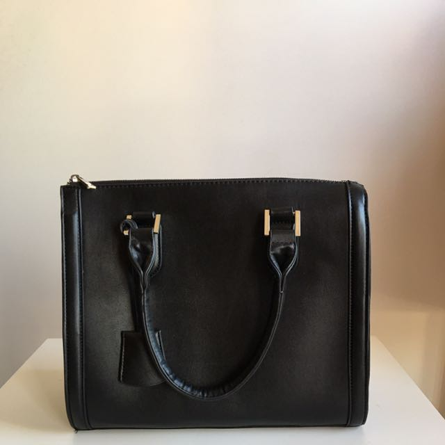 Black Handle Back With Crossbody Strap