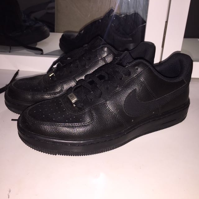 b751e32fc3ad7 Black Nike Air Forces 1 / size 7, Women's Fashion, Shoes on Carousell