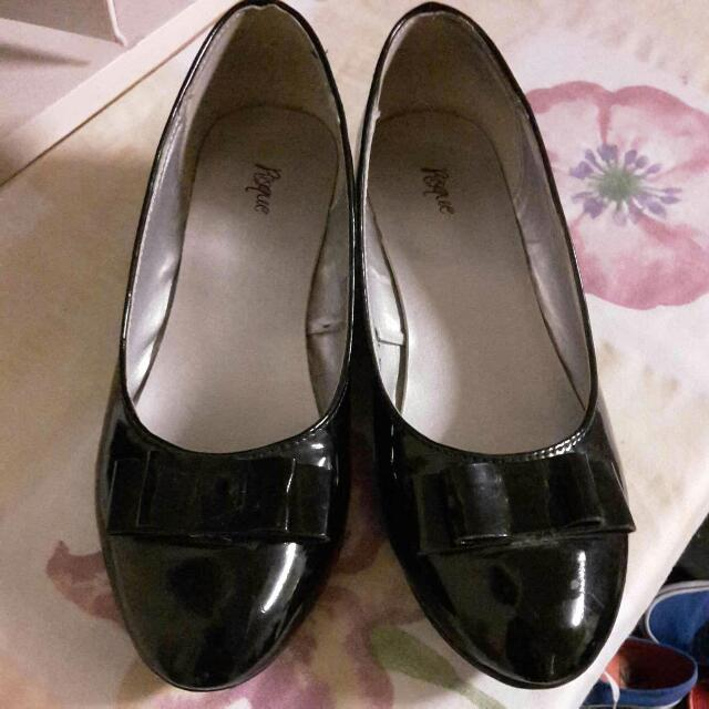 Black Small Heel Shoes