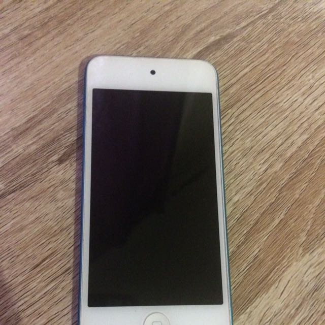 Blue iPod Touch 5th Gen 60GB