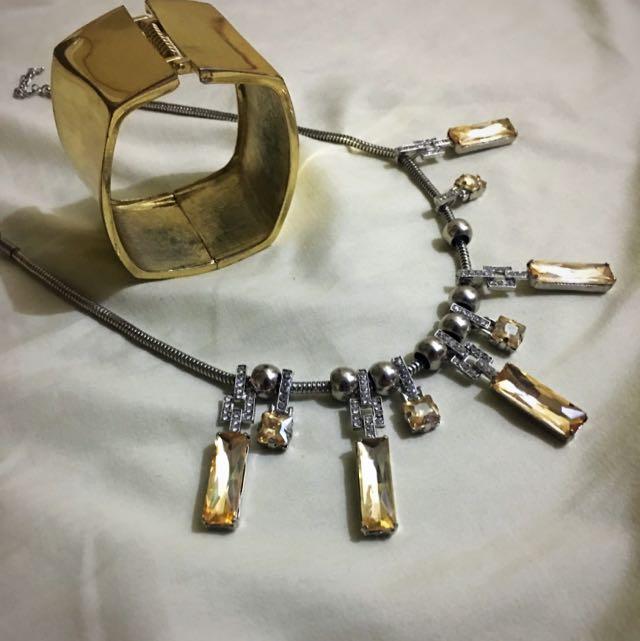 Bracelet And Necklace (Gold)