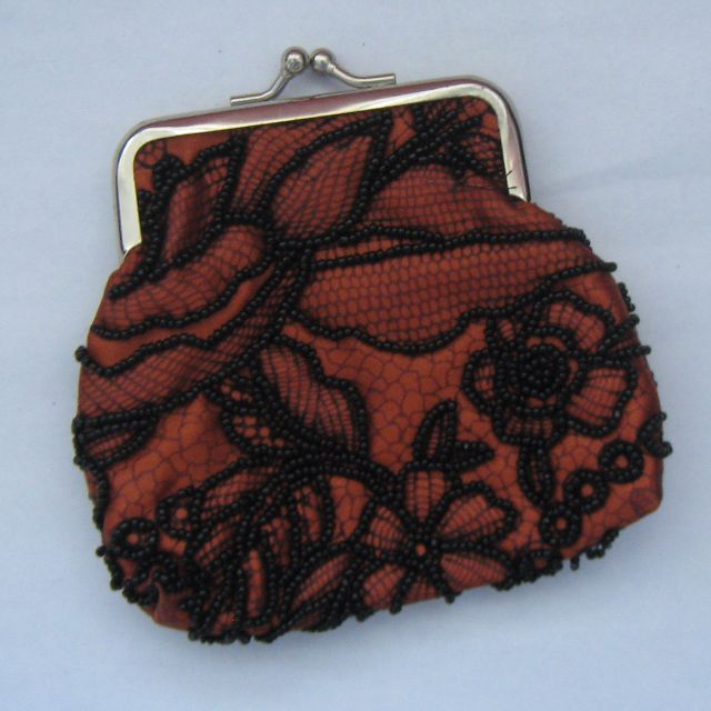 Coin purse with beautiful beading design