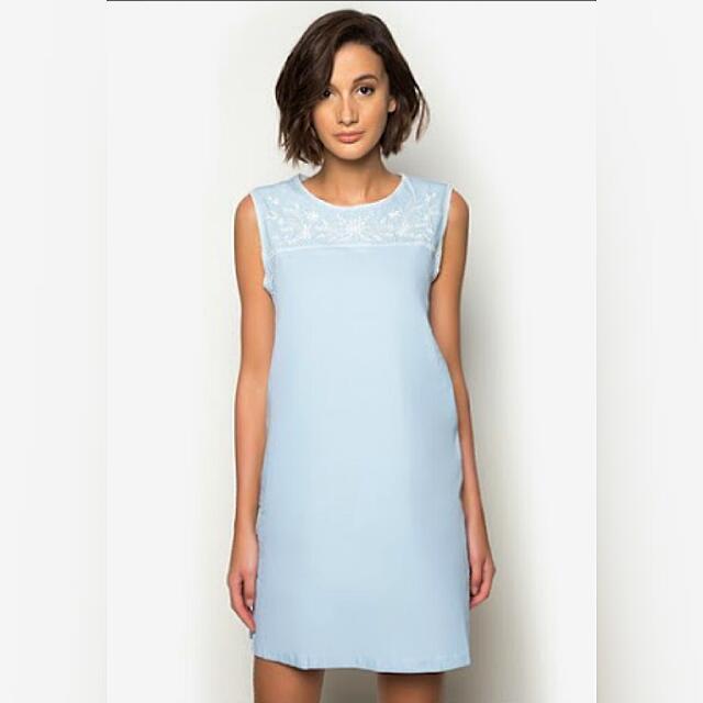 ❗SALE❗ Zalora Embroidered Chambray Dress
