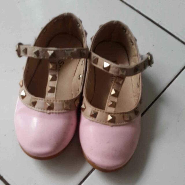 Flat Shoes Size 28