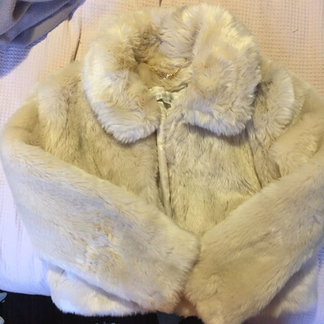 FOREVER NEW FUAX COAT