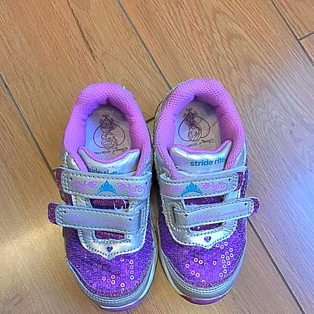 Frozen Stride Rite Shoes Sz8.5 Toddler