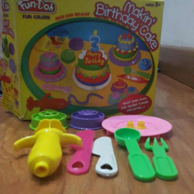 Fun-Doh Making Birthday Cake + Blocks