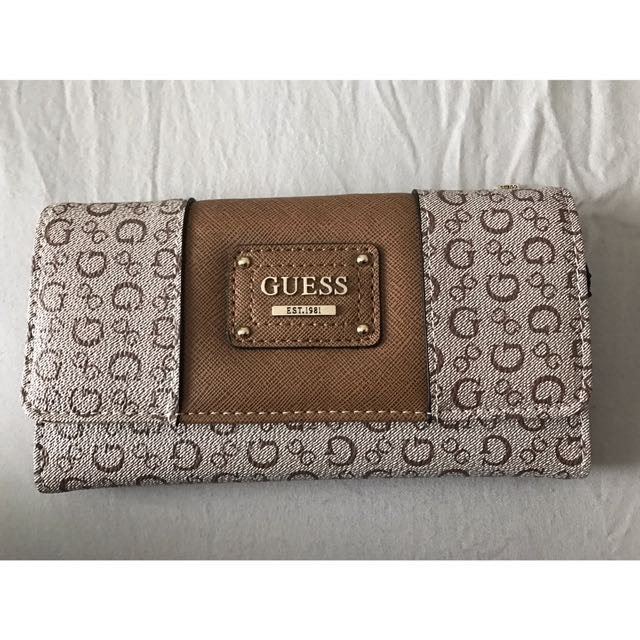 Guess Women's Trifold Wallet