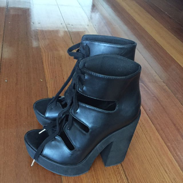 Lipstick Black Heeled Tie Up Sandals Size 7