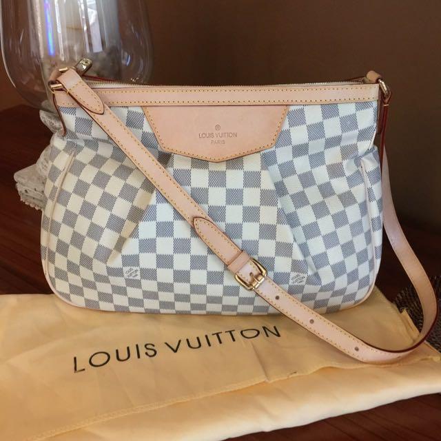 Louis Vuitton Siracusa PM Replica