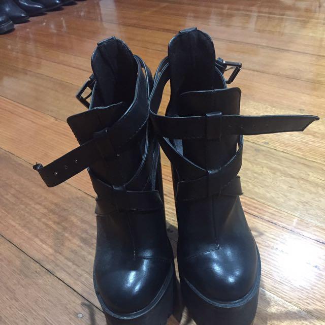 Marco Gianni Black Chunky Boot Heels Size 7
