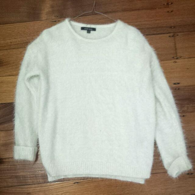 Milli Lulo Fluffy White Knit