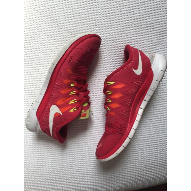 Nike Free Runs US 7