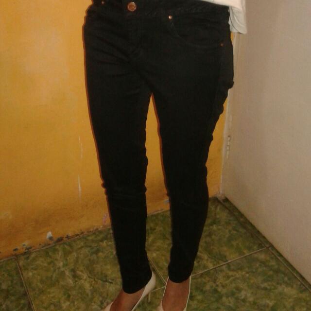 Pre❤d Celana Hitam Zara Women Ukuran M, Wrna Mash Bagus. Dijual Krna Sdh Beralih Ke Syar'i ☺😁
