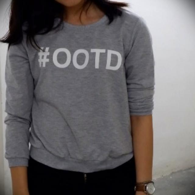 Quotes Sweater