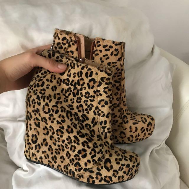 Roc Leopard Wedges