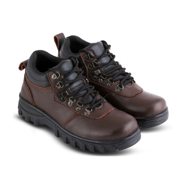 Sepatu Adventure Pria J-JOP 2404