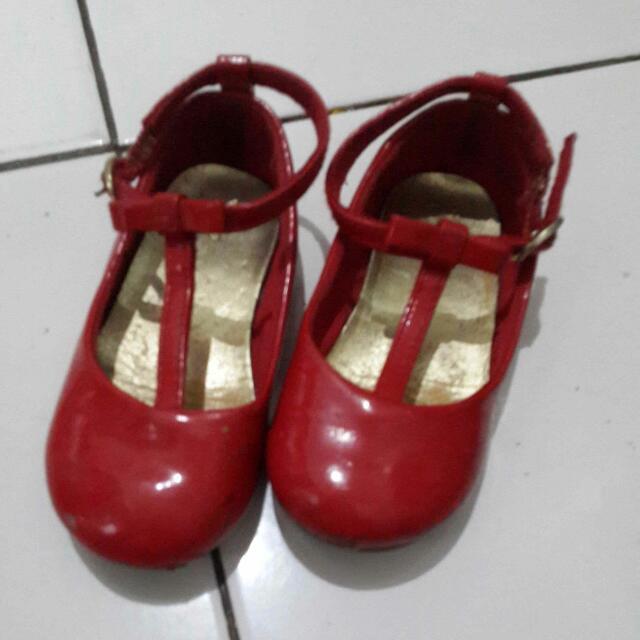 Sepatu Anak Merek Gap