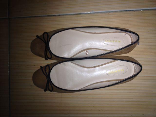 Sepatu Merk Mango