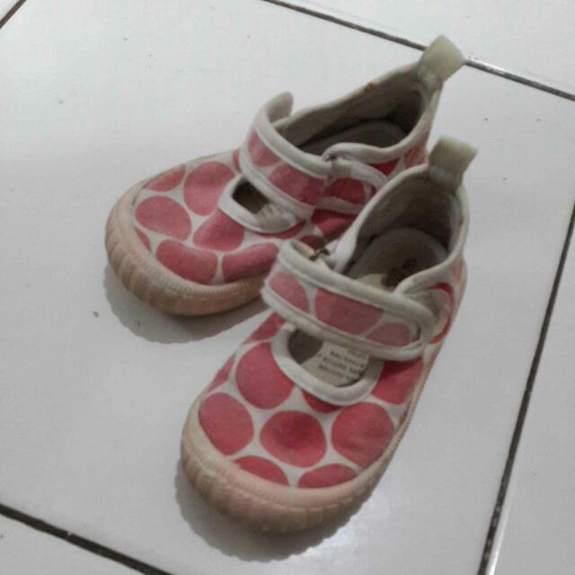 Sepatu WALNUT Ori Size 24