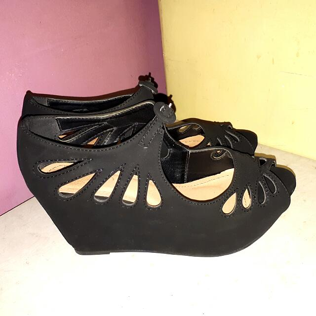 Syrup s38 black platform wedge sandals