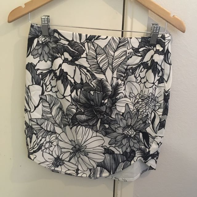 Tight Flower Skirt