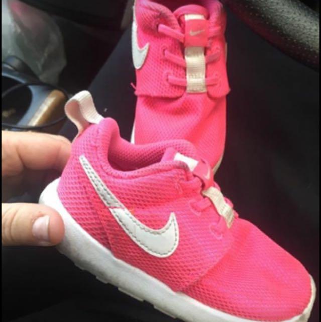 Toddler Nikes Size 7c