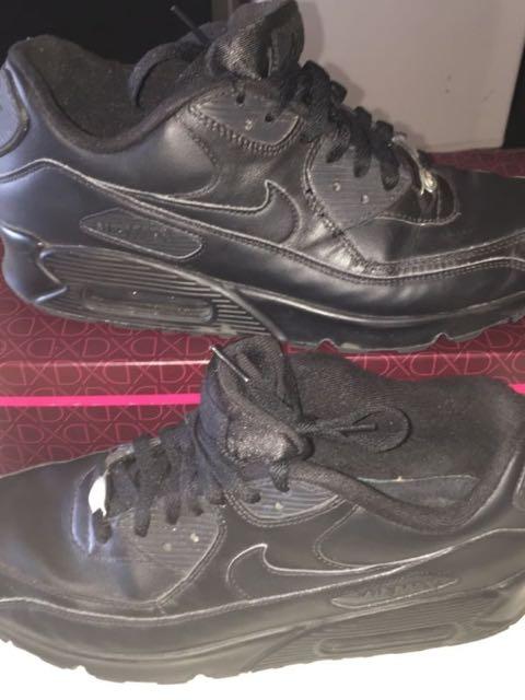 Triple Black Nike Air Max 90 - Leather
