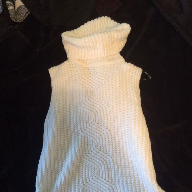 Turtle neck Sleeveless Knit