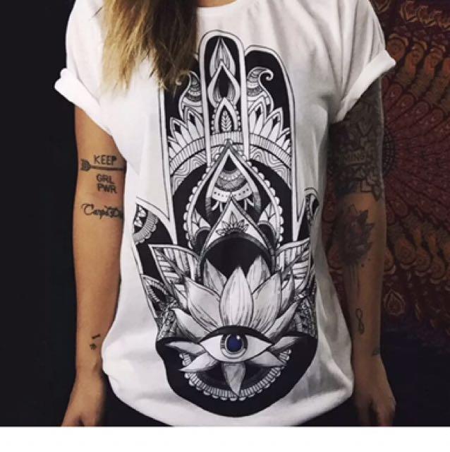 """White """"hand Of Fatima"""" Tshirt"""