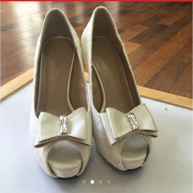 White Lacey Wedding Heels NEW!