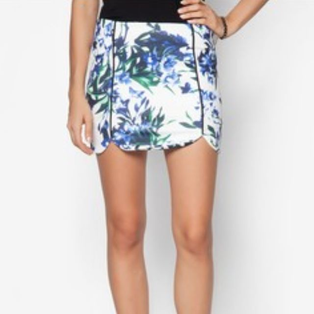 ❗SALE❗ Zalora Floral Skirt