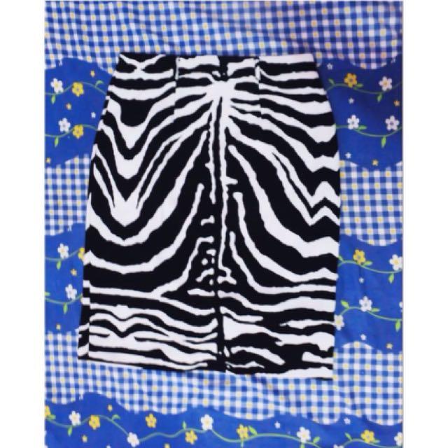 Zebra skirt uk 8 (beli di ausie)