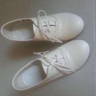 米白紳士鞋