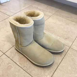 Size 7 UGG Sand Classic boot