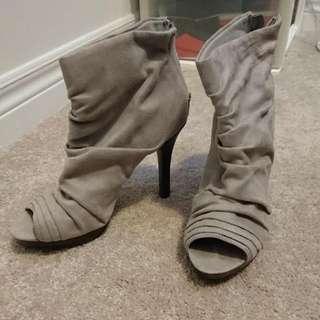 Fioni Heels Size 7.5