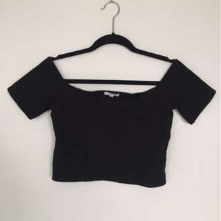 Wilfred Free off the shoulder crop top